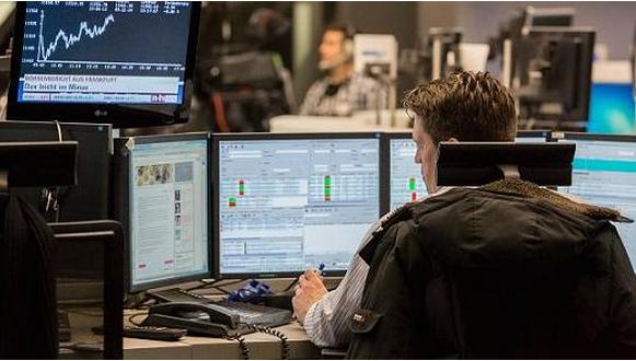美股周一大涨背后原因何在?交易员策略师有多种解读