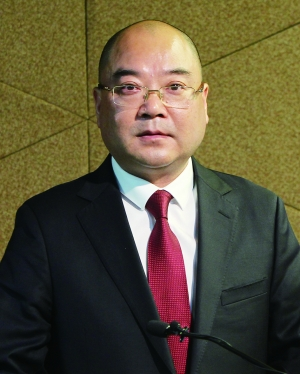 华润董事长傅育宁