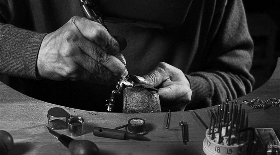 消费升级需求重构 珠宝行业结构性投资机会凸显