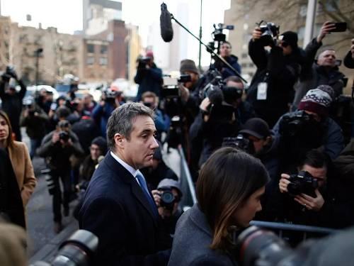 2018年12月12日,美国总统特朗普的前律师迈克尔·科恩抵达曼哈顿区的联邦法院参添他的宣判听证会。