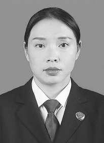 四川省安岳县人民检察院检察长 李建英