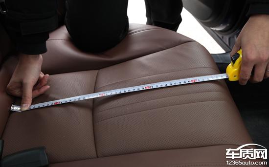 """作为国内领先的第三方汽车品质评价平台,车质网基于海量的汽车产品测试样本及科学的数据模型,推出""""新车商品性评价""""栏目。每月针对数款国内上市两年以内,行驶里程不超过5000公里的在售车型通过专业设备进行系统化的评测,以全面展示和分析国内汽车市场新车整体商品性水平现况,为消费者在选购车辆时提供客观真实的权威数据支持。"""