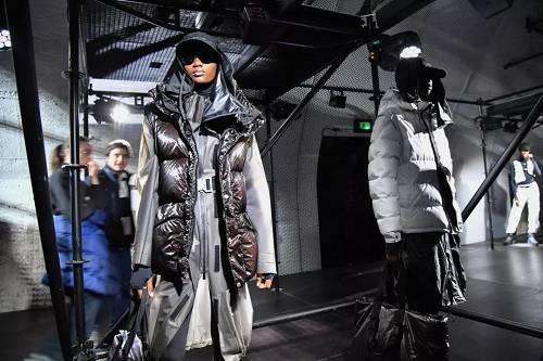 2月20日,2019秋冬米兰时装周盟可睐(Moncler)品牌室展。(视觉中国)