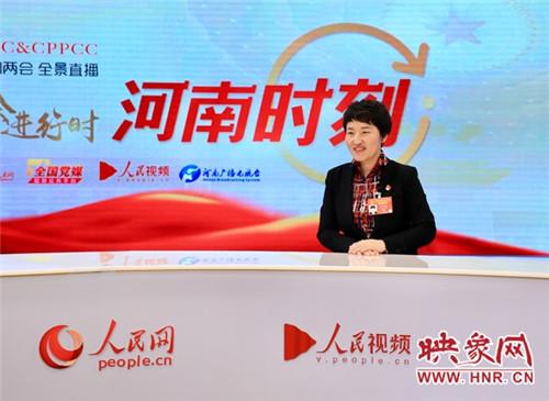 全国人大代表、中铁工程装备集团总工程师王杜娟