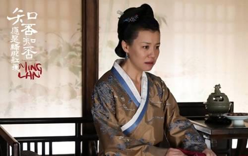 就连副导演王永泉,现在都成金牌配角了。最近的一次,是在《大江大河》里饰演小雷家老书记。
