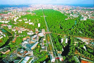 """新闻 时事要闻 > 正文  """"村村见绿""""小微公园见缝插绿,城市森林宛若一图片"""