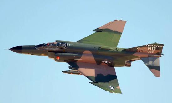 中国研发飞豹过程中,大幅度吸收了F4鬼怪战斗机的设计特点