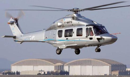 """这里所说的""""无缘军用""""的直升机,就是我国和法国联合研制的EC-175型直升机,我国称呼为""""直-15""""型直升机。该机最大起飞重量约为7吨,和英国的""""超级山猫""""直升机类似,正常可以运输16名伞兵,发动机为两台加拿大普惠公司的PT6C - 67E型发动机,并且,由于采用了低底板设计和超大型舱门,可以方便的装卸大尺寸货物,具备很强的通用性。而且和我国现役的直升机相比,有着明显的技术优势。"""