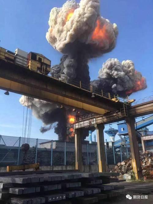 据悉,方大特钢现有3座高炉,具备铁水产能315万吨/年,本次事故的二号高炉容积1050立方米,铁水产能约125万吨/年。公司表示,截至目前,公司经营情况正常。但本次事故预计对公司2019年度生产经营业绩造成一定影响。