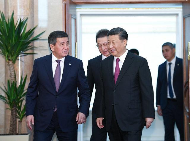 习近平同吉尔吉斯斯坦总统会谈