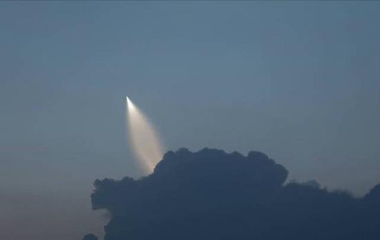 巨浪-3导弹试验时迅速起飞