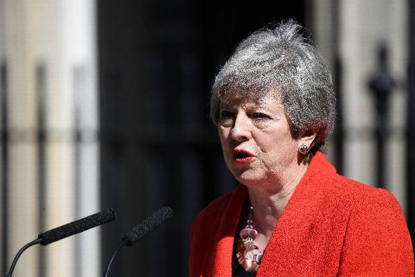 英国的政治�;�加剧 英国企业对经济的看法很悲观