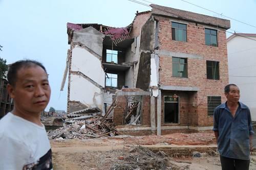 夏江平家受损严重。本报记者 郝成 摄影