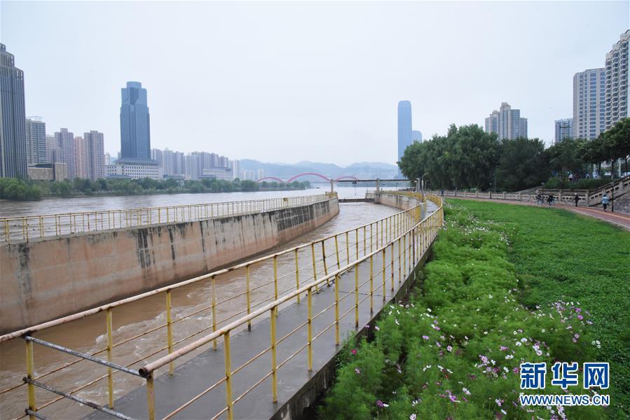 这是兰州市黄河干流防洪治理工程兰铁泵站项目点(8月23日摄)。新华社记者 张睿