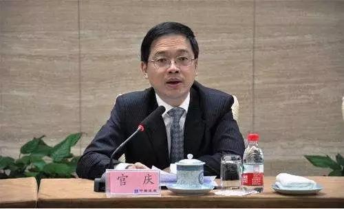 据公开资料,中国建筑集团有限公司在国资委央企名录上排名第43位,正式组建于1982年,是我国专业化发展最久、市场化经营最早、一体化程度最高、全球规模最大的投资建设集团。