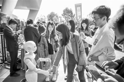 <b>杭州火车东站实现5G网络全覆盖</b>