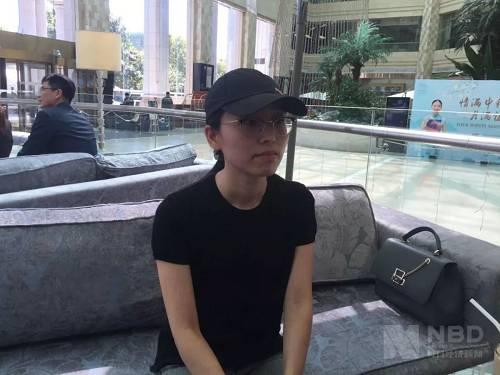 今年8月29日,应莹曾接受每日经济新闻采访(图片来源:每经记者 彭斐 摄)