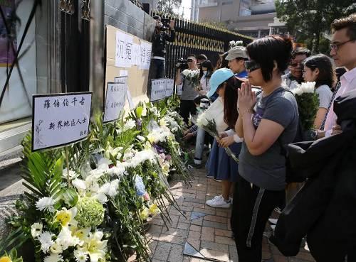 一名70岁的香港清洁工,居然被暴徒砸死了,这是修例风波以来,第一起无辜平民死亡案件。