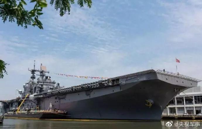 """美海军""""巴丹""""号两栖抨击舰"""