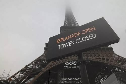 去年12月2020年香港句梅花诗,因为罢工游行,埃菲尔铁塔临时关闭(图片来源:视觉中国)