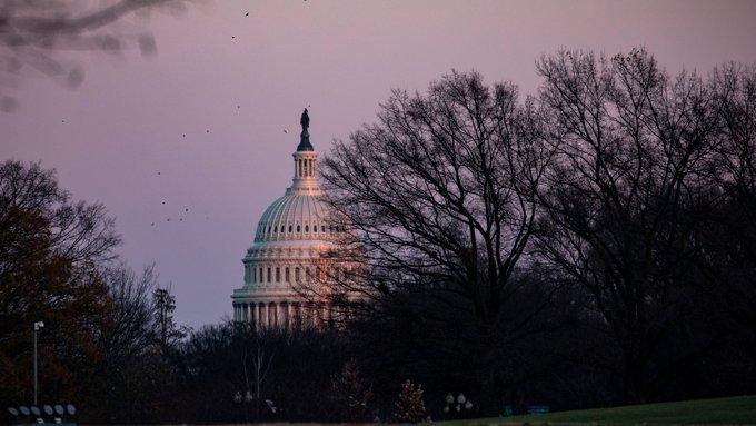 美国预算赤字在2019年突破1万亿美元,努钦疾呼:不能再扩大了