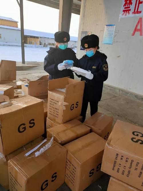 延吉海关快速验放10000件防护服、1000只防护口罩