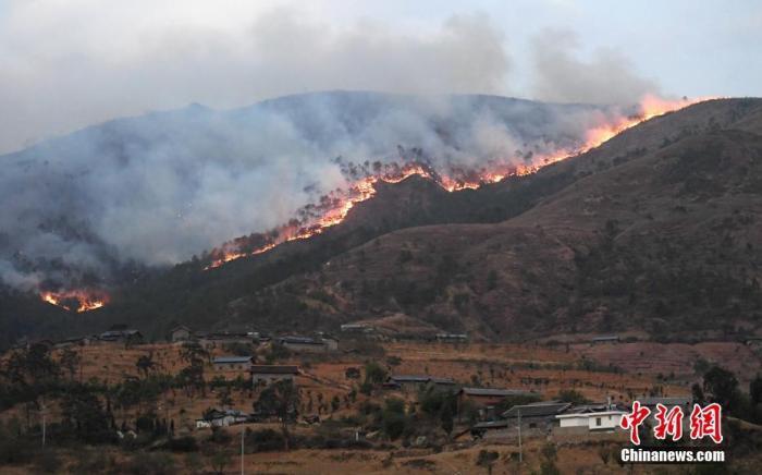 应急管理部谈近期四川、云南山火:救援临多重困难