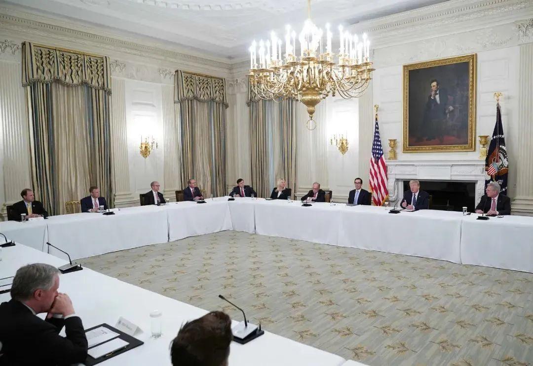 全球新冠病毒感染超400万 政府应对疫情不力,奥巴马向特朗