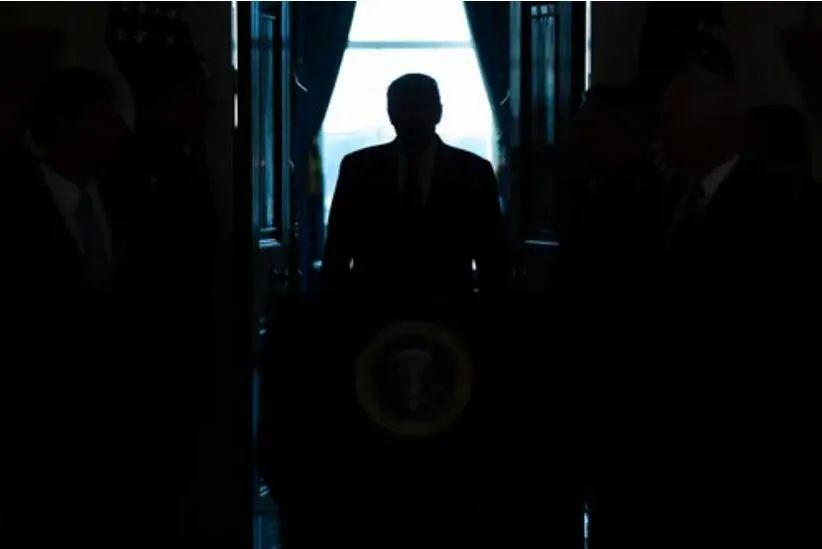 """外媒:白宫发布""""打击在美上市中企计划"""""""