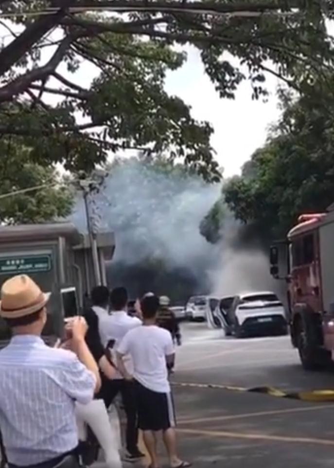 """上市新势力免不了""""火一把""""?小鹏汽车回应G3自燃事故"""