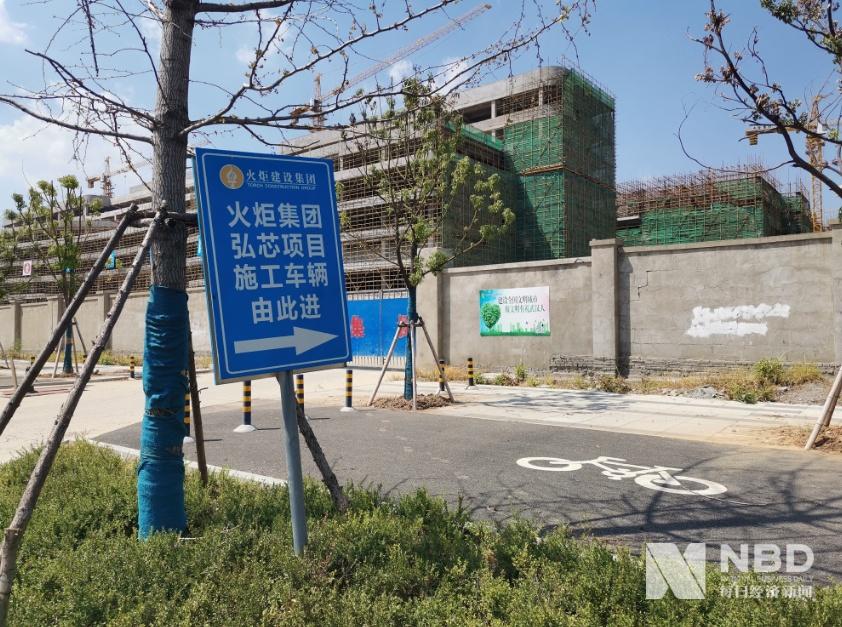 烂尾了?斥资1280亿的武汉半导体项目,如今出现资金问题,厂区荒草丛生