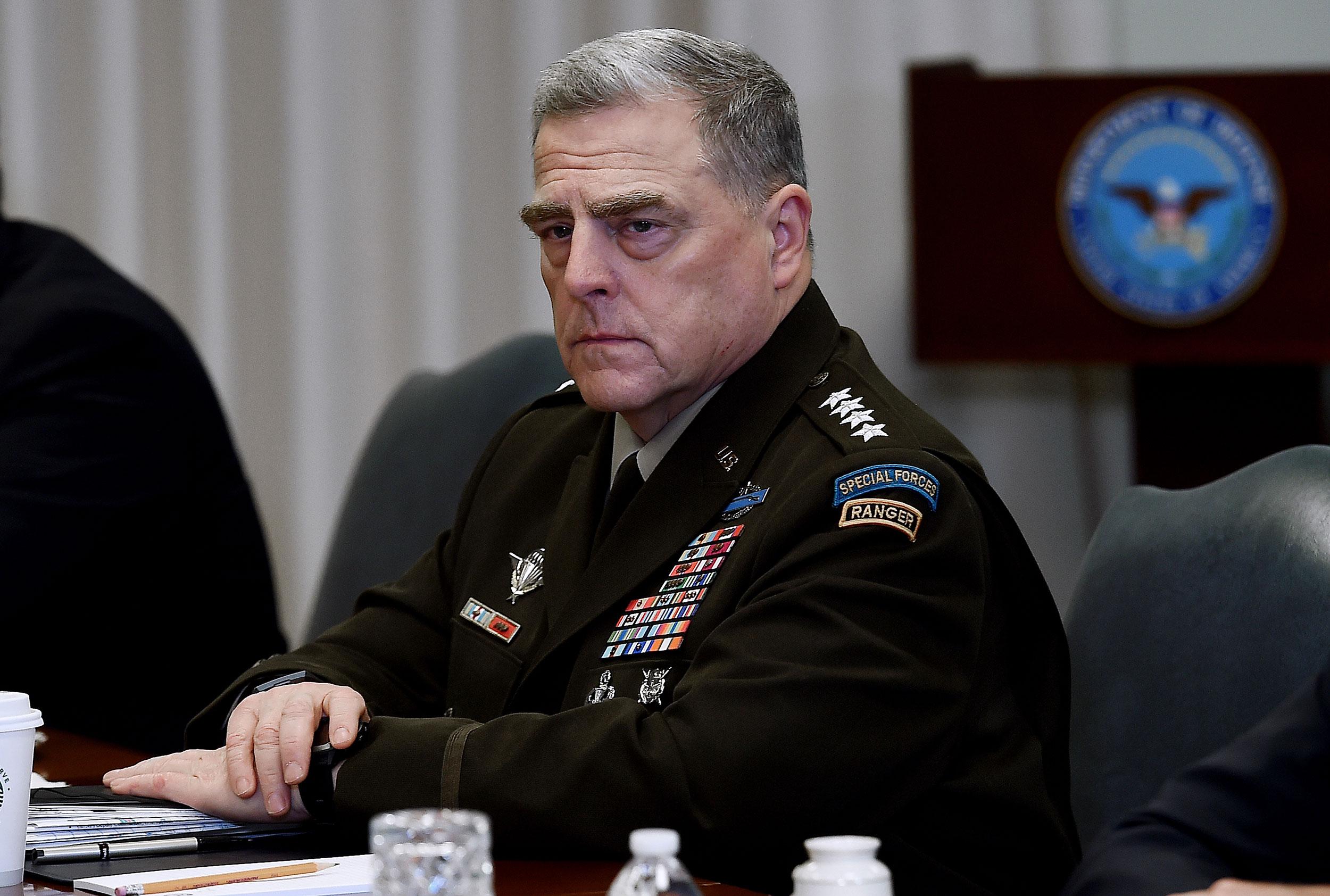曾与新冠肺炎确诊患者接触 美军最高将领马克・米利正在隔离 等待检测结果