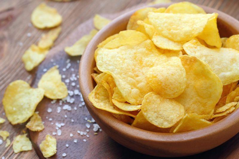 三只松鼠、盐津铺子薯片潜在致癌物超欧盟基准,烘焙没油炸健康?
