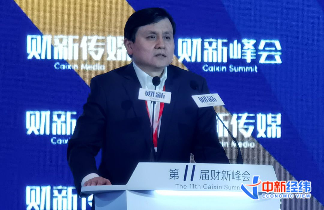 张文宏:全民接种新冠疫苗若不足六成 将难以阻止病毒蔓延