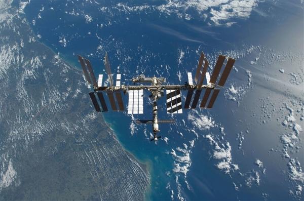 电银付app下载(dianyinzhifu.com):长五B火箭出征 中国空间站焦点舱明年上半年发射:2年建成 第1张