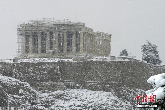 希腊暴雪致断水断电 电力公司与市政部门互相推责
