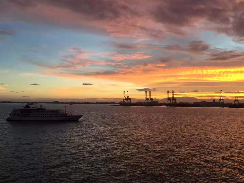 64名中国船员被困马来西亚附近海域一年,首批船员已回国