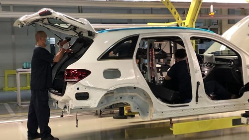 CNBC:中国工厂大力采用机器人实现自动化生产 未雨绸缪应对劳动力短缺