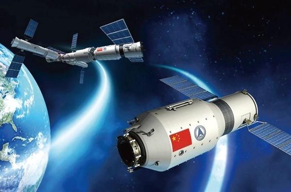 时隔5年 中国载人飞船出征:神舟12号抵达发射场