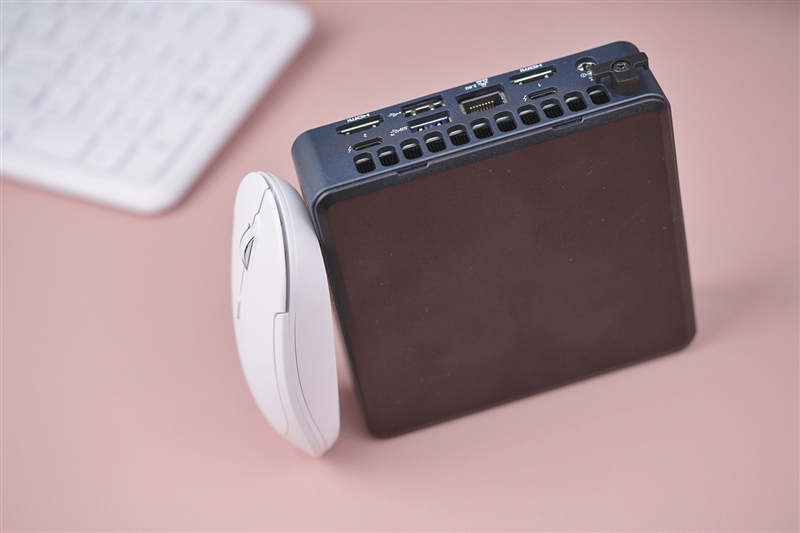 更小更完美的袖珍方块!Intel猛虎峡谷NUC 11评测:扩展性更上一层楼