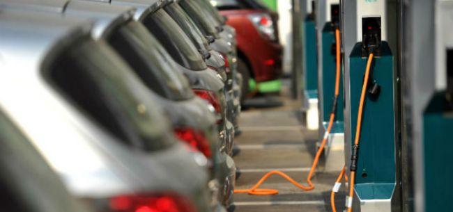 险企补缺 新能源车专属保险设计在途