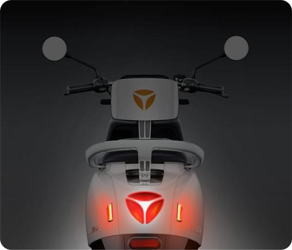 雅迪电动车颜值爆表,非凡实力获年轻一代认可