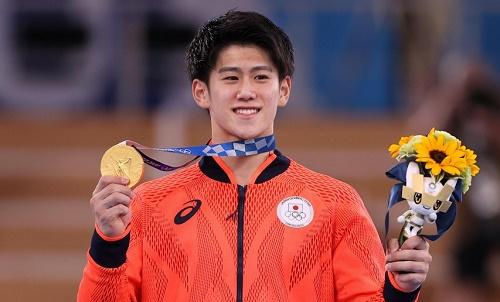 日媒:日本男子体操全能金牌得主桥本发帖称被诽谤 跳马出界拿高分被骂惨