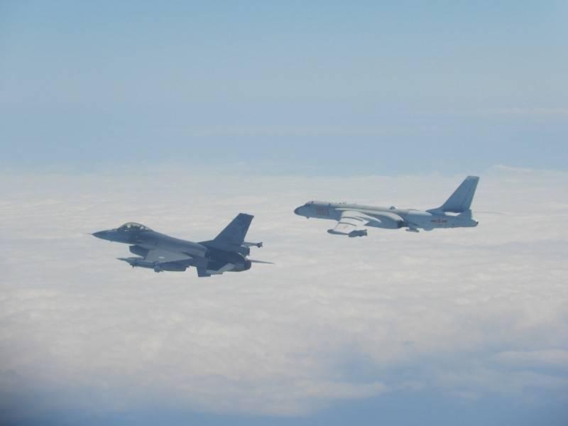 绿媒炒作:解放军军机今早进入台西南空域,今年达380架次,已追平去年总和