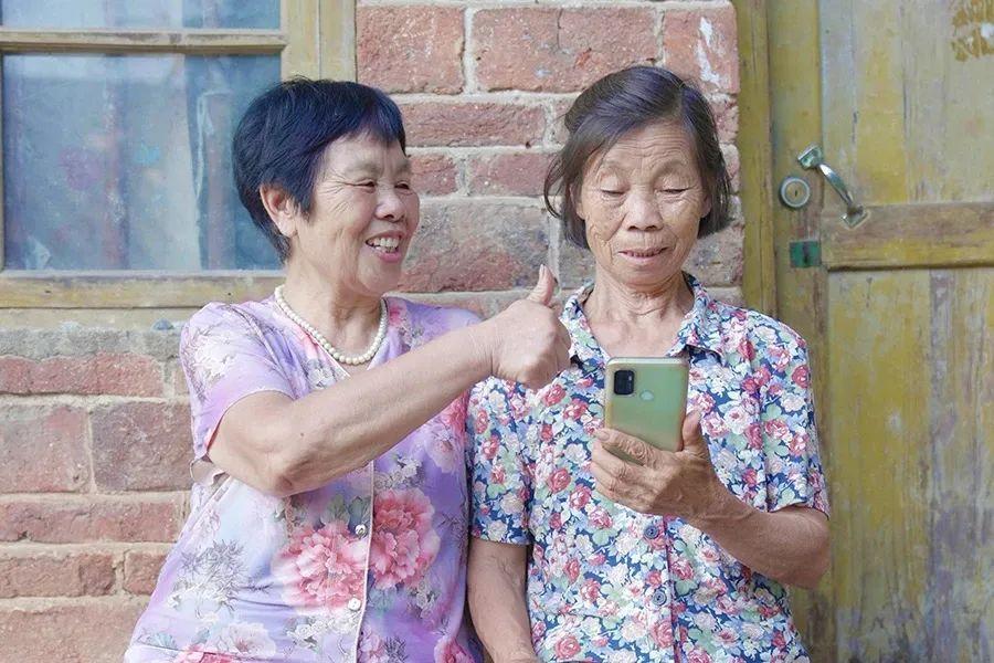 70岁后,我成为了村民每天最想见到的人