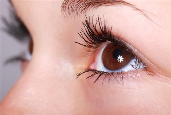 警惕宣称促进睫毛生长的睫毛液 国家药监局:均未获批