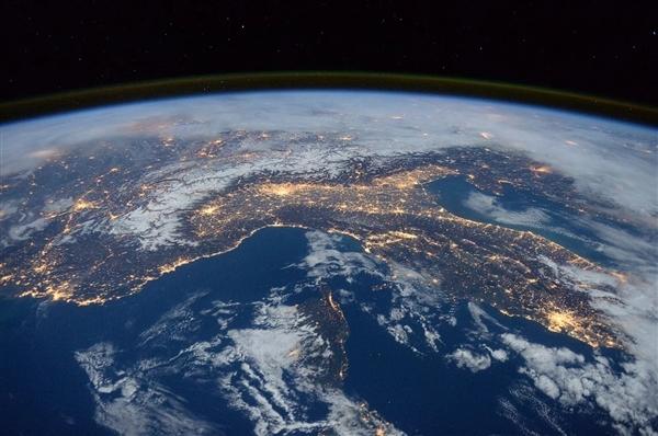 天舟三号飞船交会对接空间站组合体 专家科普技术升级