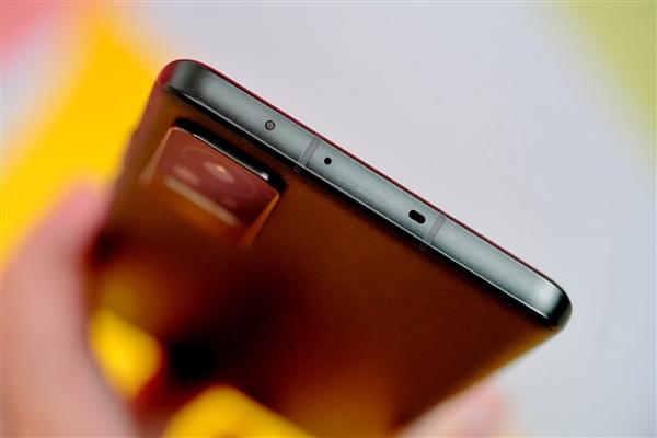 """小米史上最窄""""下巴""""!Xiaomi Civi开箱图赏"""